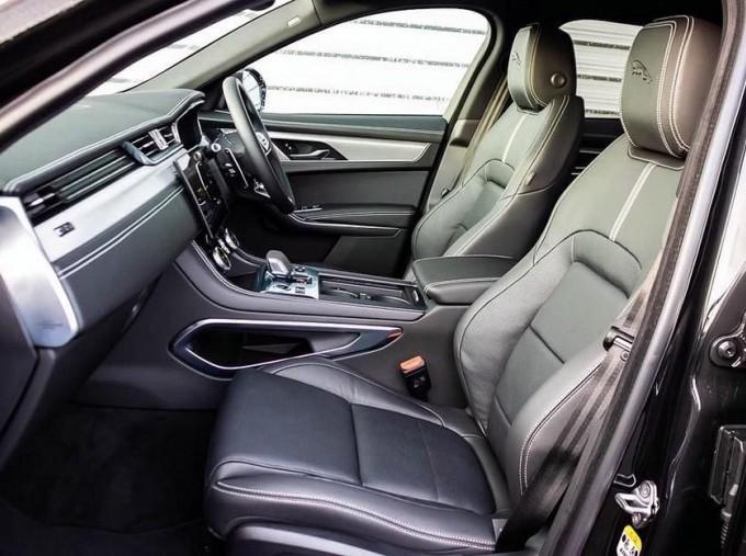 2021 Jaguar MHEV R-Dynamic S Auto 5-door (Black) - Image: 3