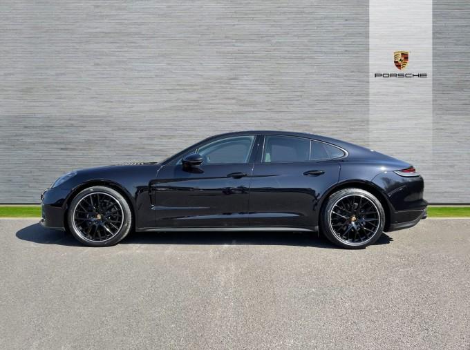 2021 Porsche V6 4 PDK 4WD 4-door (Black) - Image: 5