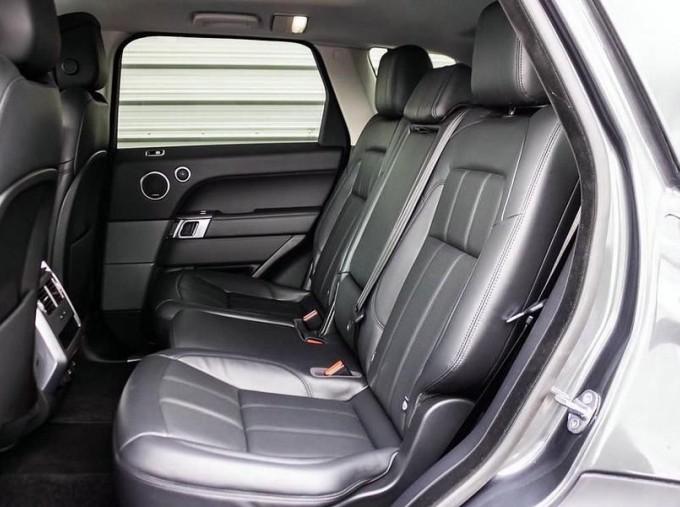 2018 Land Rover SD V6 HSE Auto 4WD 5-door (Grey) - Image: 4