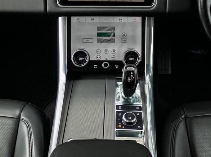 2018 Land Rover SD V6 HSE Auto 4WD 5-door (Grey) - Image: 12