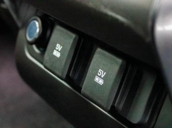 2018 Land Rover SD V6 HSE Auto 4WD 5-door (Grey) - Image: 17