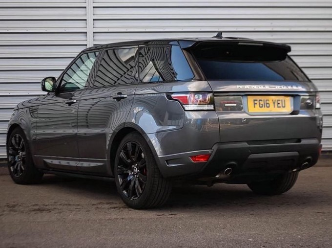2016 Land Rover SD V6 Autobiography Dynamic 5-door (Grey) - Image: 2