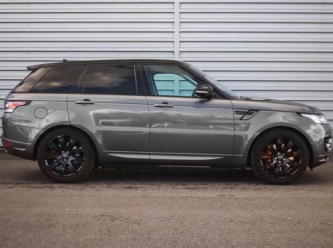 2016 Land Rover SD V6 Autobiography Dynamic 5-door (Grey) - Image: 5