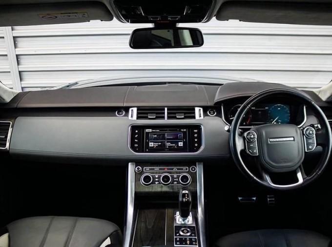 2016 Land Rover SD V6 Autobiography Dynamic 5-door (Grey) - Image: 9