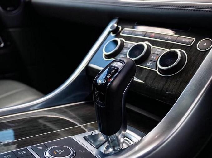 2016 Land Rover SD V6 Autobiography Dynamic 5-door (Grey) - Image: 12