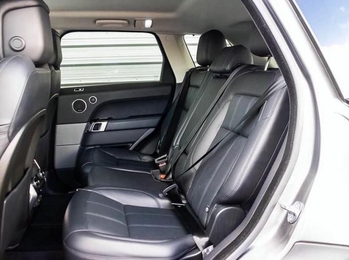 2018 Land Rover SD V6 HSE Dynamic Auto 4WD 5-door (Grey) - Image: 4