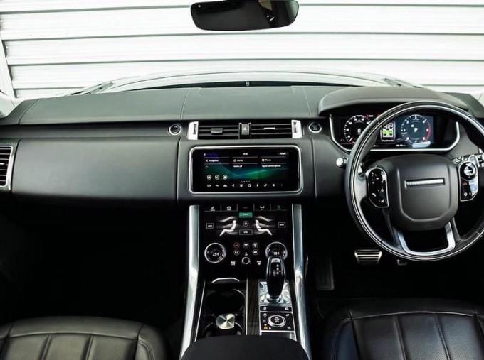 2018 Land Rover SD V6 HSE Dynamic Auto 4WD 5-door (Grey) - Image: 9