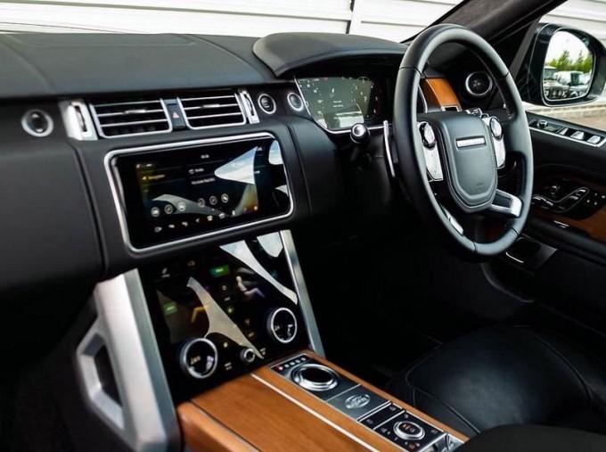 2019 Land Rover SD V8 Autobiography Auto 4WD 5-door (Grey) - Image: 12