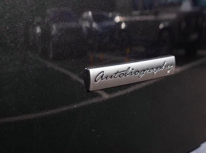 2019 Land Rover SD V8 Autobiography Auto 4WD 5-door (Grey) - Image: 18