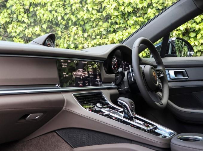 2021 Porsche V6 4S PDK 4WD 4-door (Black) - Image: 3