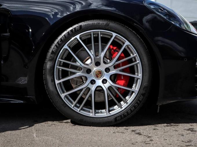 2021 Porsche V6 4S PDK 4WD 4-door (Black) - Image: 4