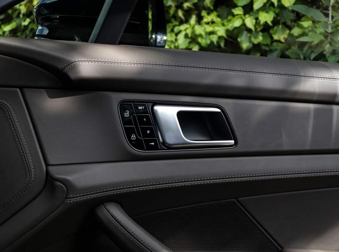 2021 Porsche V6 4S PDK 4WD 4-door (Black) - Image: 23
