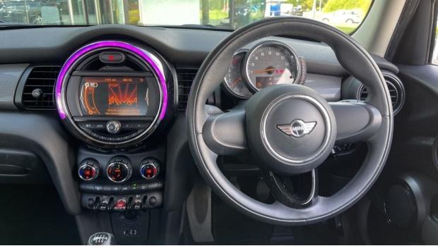 2017 MINI 5-door One D (Grey) - Image: 5