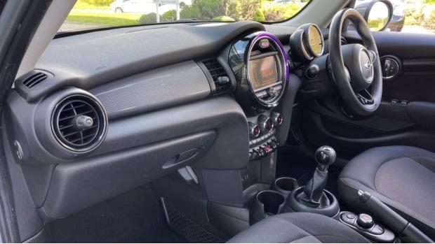 2017 MINI 5-door One D (Grey) - Image: 7
