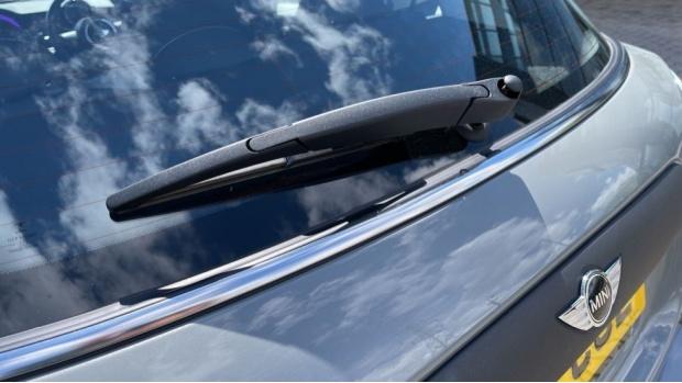 2017 MINI 5-door One D (Grey) - Image: 33