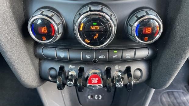 2017 MINI 5-door One D (Grey) - Image: 36