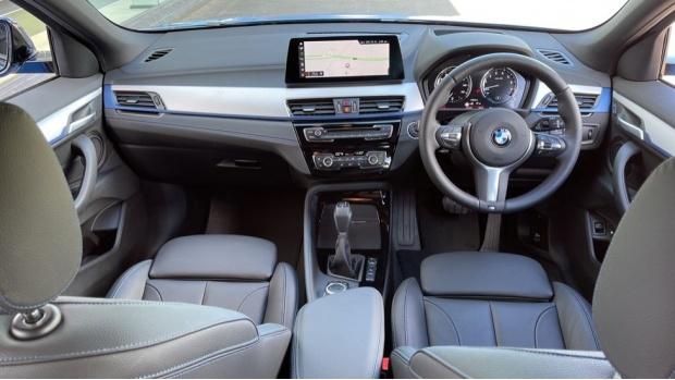 2020 BMW XDrive25e M Sport (Blue) - Image: 4