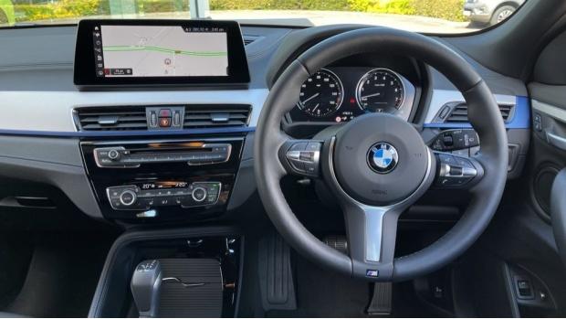 2020 BMW XDrive25e M Sport (Blue) - Image: 5