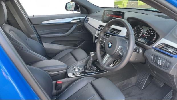 2020 BMW XDrive25e M Sport (Blue) - Image: 6