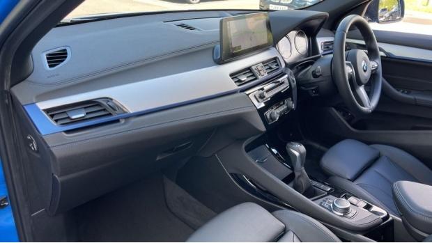 2020 BMW XDrive25e M Sport (Blue) - Image: 7