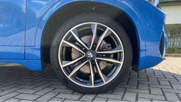 2020 BMW XDrive25e M Sport (Blue) - Image: 14