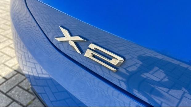 2020 BMW XDrive25e M Sport (Blue) - Image: 37