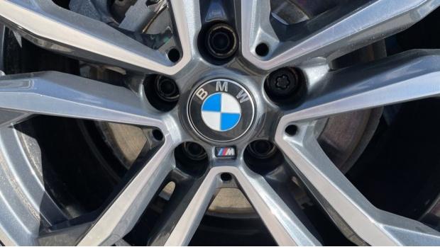 2020 BMW XDrive25e M Sport (Blue) - Image: 39