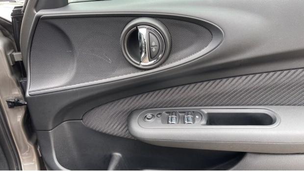 2017 MINI Cooper (Silver) - Image: 20