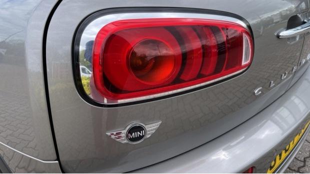 2017 MINI Cooper (Silver) - Image: 35