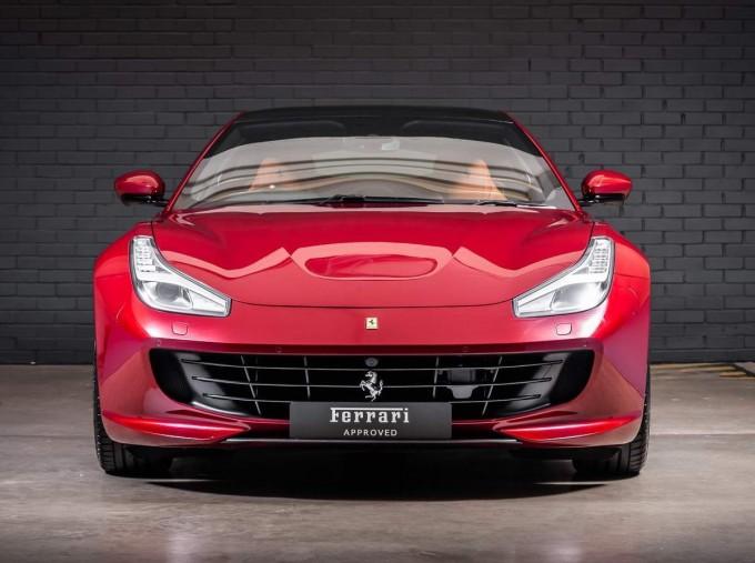 2020 Ferrari V8 F1 DCT 2-door (Red) - Image: 7