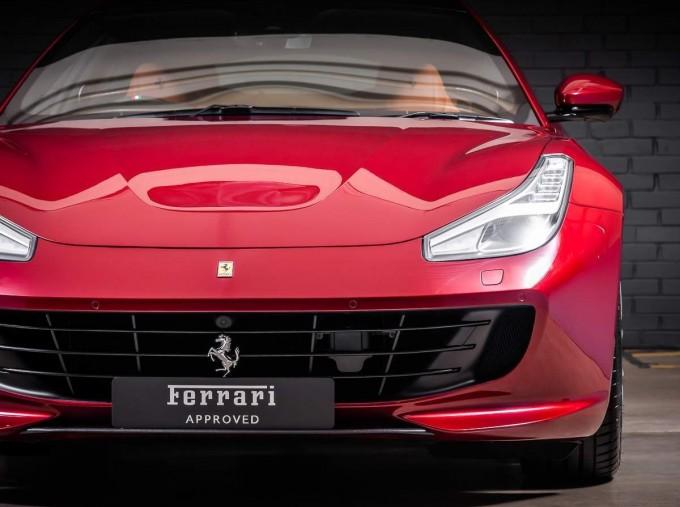 2020 Ferrari V8 F1 DCT 2-door (Red) - Image: 8