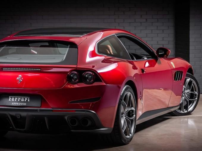 2020 Ferrari V8 F1 DCT 2-door (Red) - Image: 12