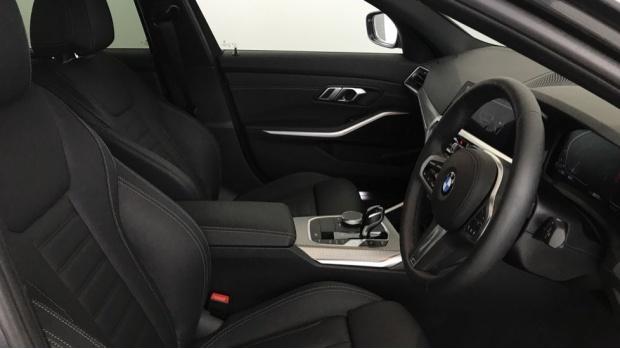 2020 BMW 320d M Sport Touring (Grey) - Image: 11