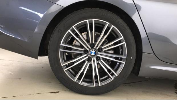 2020 BMW 320d M Sport Touring (Grey) - Image: 14