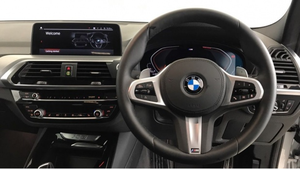 2020 BMW XDrive20i M Sport (Silver) - Image: 5