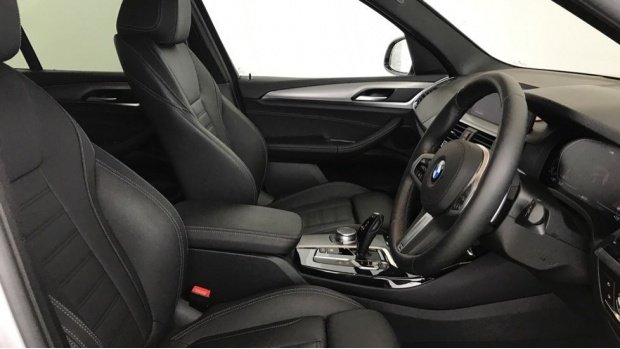 2020 BMW XDrive20i M Sport (Silver) - Image: 11