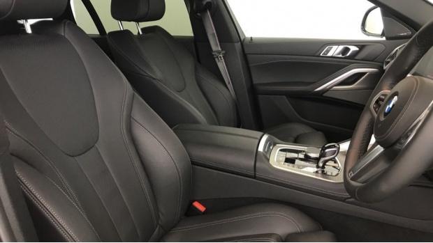 2020 BMW M50d (Grey) - Image: 11