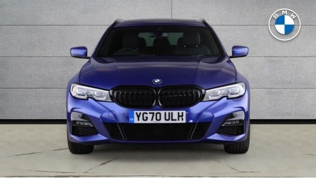 2020 BMW 320i M Sport Touring (Blue) - Image: 16