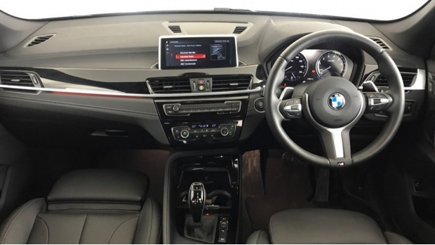 2020 BMW XDrive20i M Sport (Black) - Image: 4