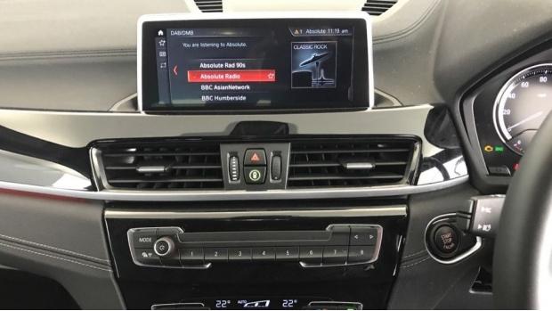 2020 BMW XDrive20i M Sport (Black) - Image: 8
