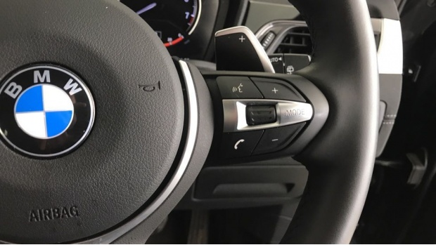 2020 BMW XDrive20i M Sport (Black) - Image: 18