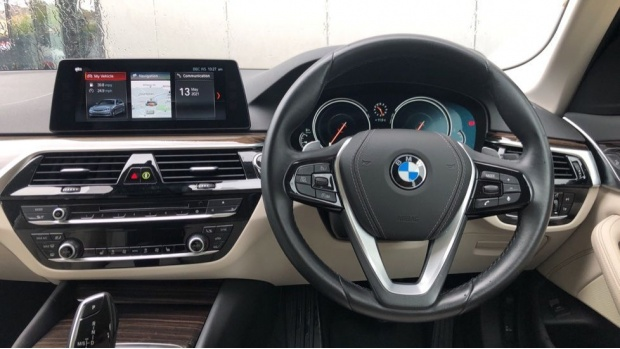 2018 BMW 520d SE Touring (Blue) - Image: 5