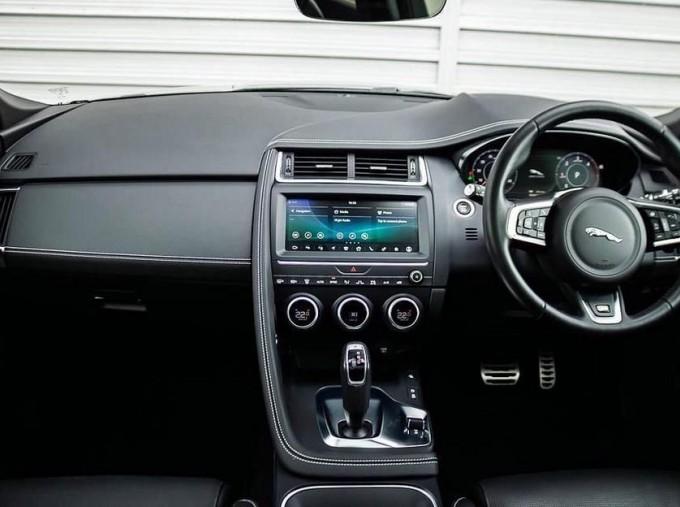 2019 Jaguar D180 R-Dynamic HSE Auto 5-door (Black) - Image: 9