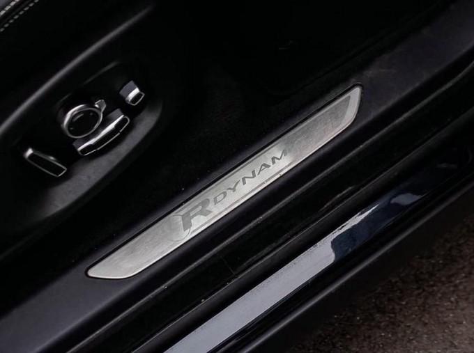 2019 Jaguar D180 R-Dynamic HSE Auto 5-door (Black) - Image: 16