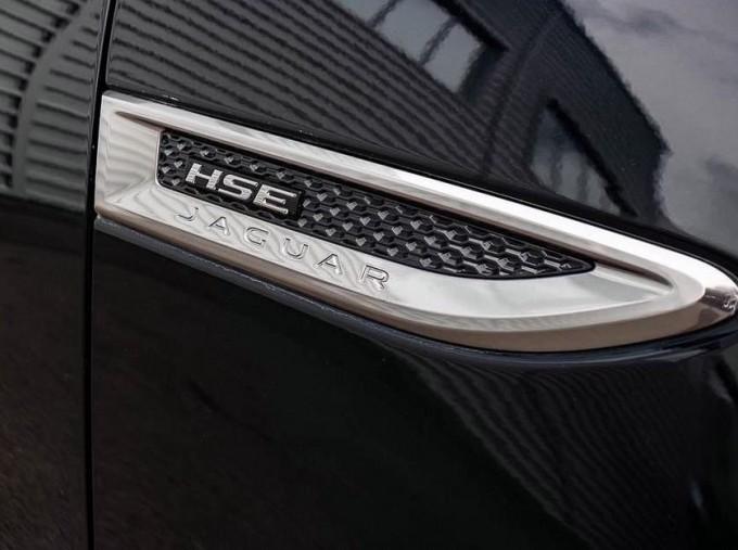 2019 Jaguar D180 R-Dynamic HSE Auto 5-door (Black) - Image: 17