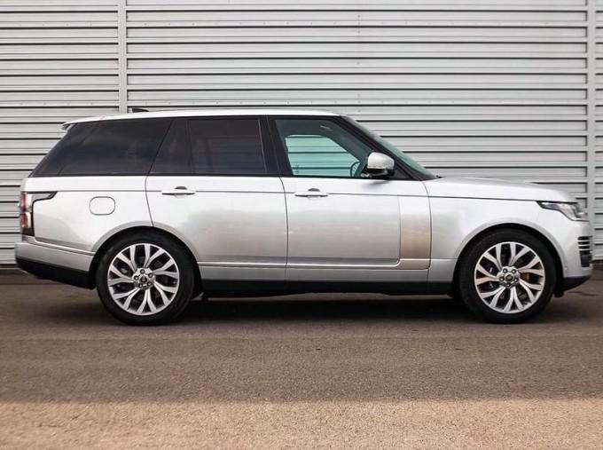 2019 Land Rover P400e 12.4kWh Autobiography Auto 4WD 5-door (Grey) - Image: 5