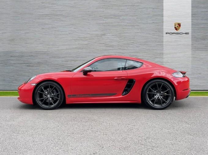 2019 Porsche T 2-door (Red) - Image: 5