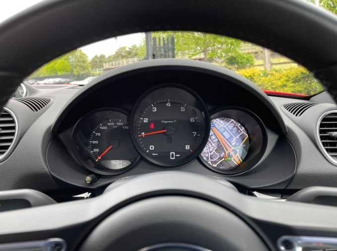 2019 Porsche T 2-door (Red) - Image: 8
