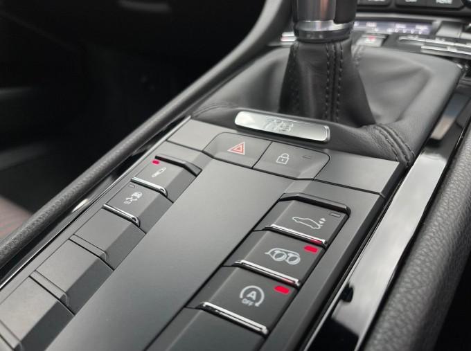 2019 Porsche T 2-door (Red) - Image: 13