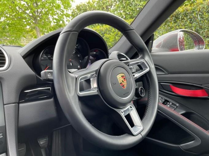2019 Porsche T 2-door (Red) - Image: 22